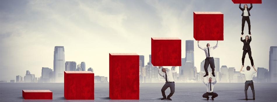 Для начала понять, что кризис – это процесс изменений. И управлять кризисом означает – создавать нужные вашей компании изменения. Поэтому пора действовать.